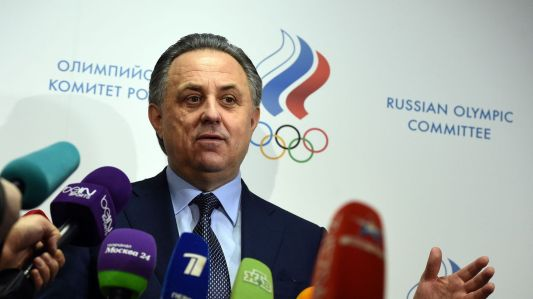 le-ministre-russe-des-sports-vitali-moutko-face-aux-reporters-a-la-federation-d-athletisme-le-16-janvier-20016-a-moscou_5512083