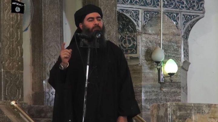 une-capture-ecran-extraite-d-une-video-de-propagande-representant-le-chef-de-l-etat-islamique-abu-bakr-al-baghdadi-dans-une-mosquee-le-4-juillet-2014-a-mossoul-en-irak_5367581